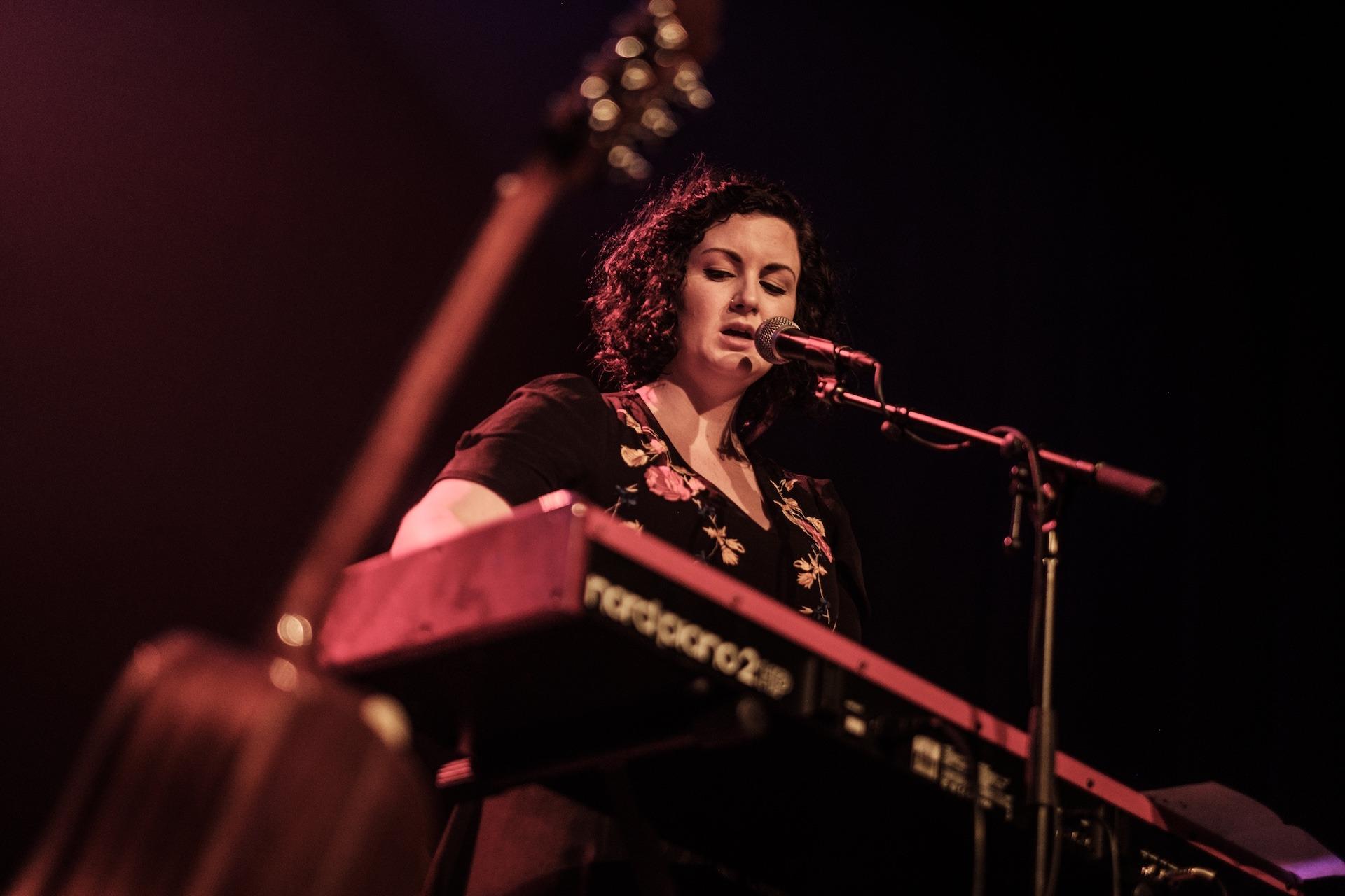 Anna Mitchell, Nord Keyboard, nordpiano2